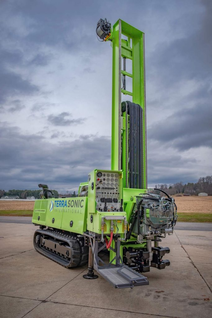 TSi 150CC Compact Crawler Drill Rig front quarter, extended