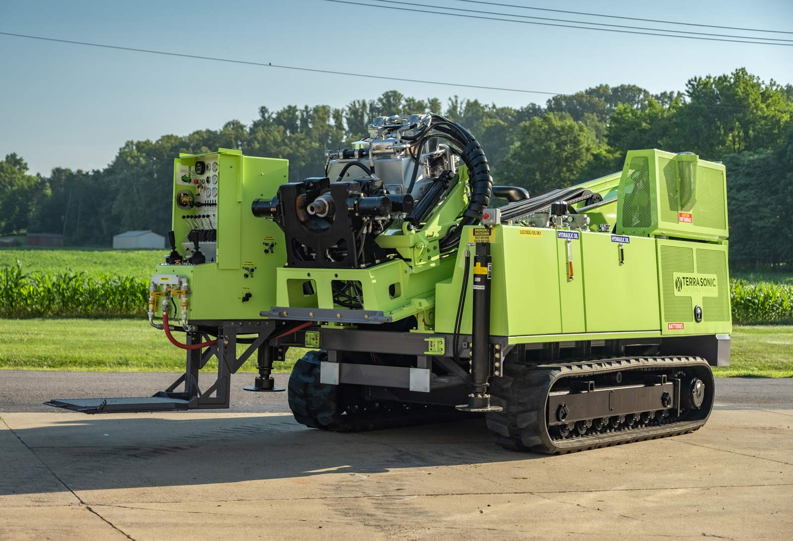 TSi 150CC sonic drill rig collapsed for transport