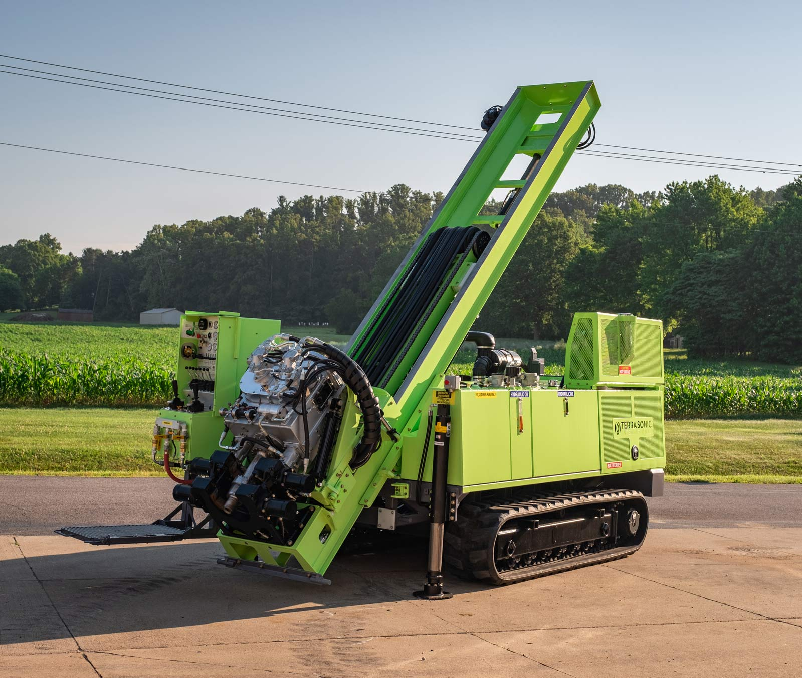 TSi 150CC sonic drill rig partially extended