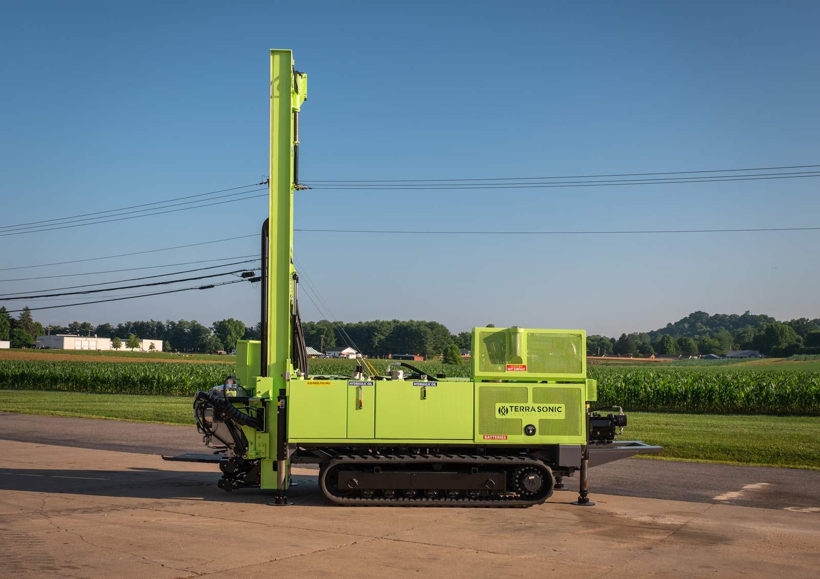 side profile of TSi 150CC sonic drill rig